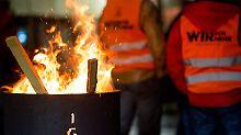 Tarifverhandlungen gehen weiter: IG Metall und Arbeitgeber belauern sich