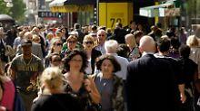 Auch die Arbeitslosigkeit ist in der Euro-Zone auf den tiefsten Stand seit fast fünf Jahren.