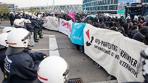 Proteste und Randale vor dem Parteitag: AfD will erstes Grundsatzprogramm beschließen