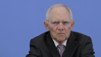 Millionen-Boni mitten in der Krise: Schäuble greift VW-Manager an