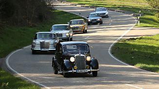 Erfolgsmodell von Mercedes: Wie sich die E-Klasse im Laufe der Zeit verwandelte