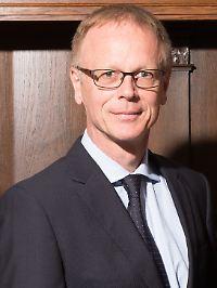 Willi Ufer agiert bei der Wertefinder Vermögensverwaltung als CEO und verantwortet das Portfoliomanagement und die Kundenbetreuung. Zuvor verwaltete der Diplom-Kaufmann Fonds mit einem Volumen von vier Milliarden Euro.