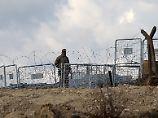 Einem Bericht von HRW zufolge sollen türkische Grenzer auf syrische Flüchtlinge schießen.