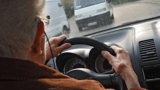 Debatte nach zwei schweren Unfällen: Sollen Senioren regelmäßig Fahrtauglichkeit beweisen?