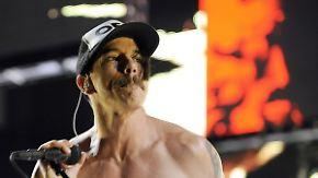 Promi-News des Tages: Red Hot Chili Peppers sorgen sich um Frontmann Kiedis