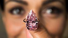 """""""Unique Pink"""" bringt riesige Summe: Sotheby's versteigert Super-Diamanten"""