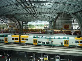 Der Hauptbahnhof ist eine riesige Organisationseinheit - was der Reisende sieht, ist nur ein kleiner Bruchteil.