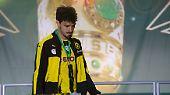 Platz 5: Dass man sich mit einem Wechsel vom Borussia Dortmund zum FC Bayern nicht nur Freunde macht, haben schon andere am eigenen Leib spüren müssen. Im Sommer 2016 macht diese Erfahrung auch Mats Hummels. 38 Millionen Euro gehen dafür immerhin ins Ruhrgebiet. Dennoch schmerzt der Verlust des Kapitäns wohl sehr.