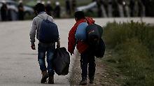 Tausende müssen umsiedeln: Griechenland räumt wilde Flüchtlingscamps