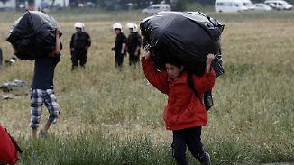 Umsiedlung ins Landesinnere: Polizei räumt griechisches Flüchtlingslager Idomeni