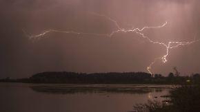 """Nordosten auf der Sonnenseite: """"Elvira"""" treibt heftige Gewitter mit Unwetterpotenzial nach Deutschland"""