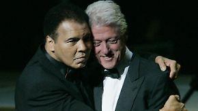 """Obama: """"Er war der Größte. Punkt."""": Bill Clinton hält Rede bei der Trauerfeier für Muhammad Ali"""