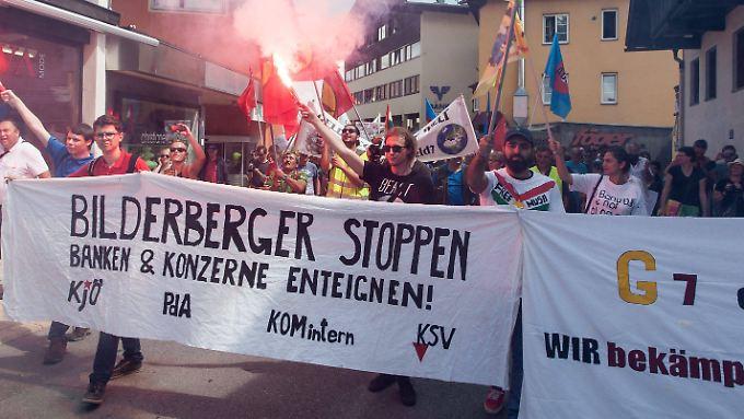 Proteste gegen die Bilderberg-Konferenz vergangenes Jahr im österreichischen Telfs.