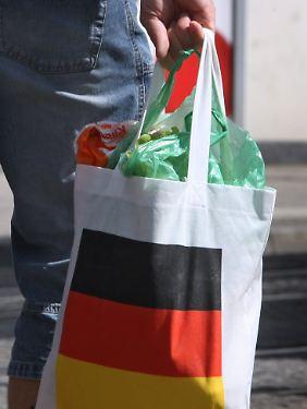 Deutschland kauft wieder gerne ein: Auch im Ausland verfolgt man die Entwicklung der deutschen Binnennachfrage mit großer Aufmerksamkeit.