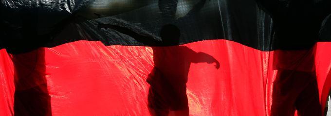 Mieter dürfen auf dem Balkon Flagge zeigen.