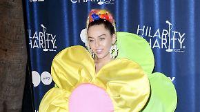 Promi-News des Tages: Wandert Miley Cyrus zu den Hippies aus?