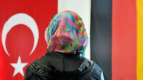 Gut die Hälfte der Türkeistämmigen fühlt sich als Bürger zweiter Klasse.