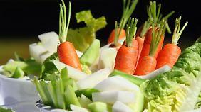Detoxen mit etwas Obst und Gemüse zwischendurch - unmöglich, sagen Experten.