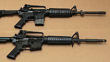 Das Bild zeigt verschiedene Versionen des AR-15.