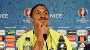 """Zlatan Ibrahimovic in der PK: """"Werde schwedische Flagge immer mit Stolz tragen"""""""