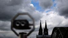 Trotz sinkender Mitgliederzahlen: Kirchen nehmen so viel ein wie noch nie