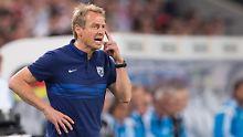 Muss sich für die Leistung seines Teams keinesfalls schämen: Jürgen Klinsmann (Archivbild)