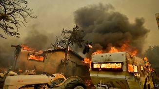"""""""Jahrhundertbrand"""" in Kalifornien: Feuerwehr bekommt Flammen nicht unter Kontrolle"""