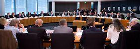 Bei einer der Sitzungen der so genannten Atommüll-Endlagerkommission des Bundestages in Berlin.