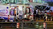 Nach Informationen aus türkischen Regierungskreisen sprengen sich zwei von ihnen vor dem Ankunftsbereich des Internationalen Terminals in die Luft, der dritte Attentäter auf einem Parkplatz in der Nähe.