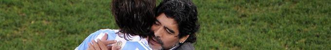 Der EM-Tag: 10:10 Maradona mahnt zu behutsamem Umgang mit Messi