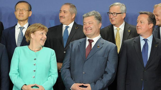 Die Nato will sich von Russlands Vorgehen in der Ukraine nicht einschüchtern lassen, und setzt darauf, im Osten ihre Stärke zu demonstrieren.