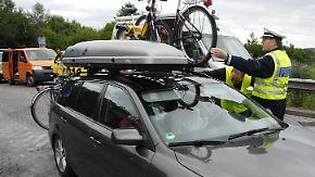 Start der Ferien-Reisewelle in NRW: Polizei kontrolliert vermehrt Verkehrssicherheit von Urlaubsfahrern