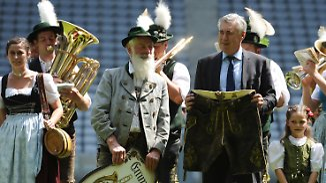 Stilechte Begrüßung in München: Ancelotti wünscht sich spektakulären Bayern-Fußball