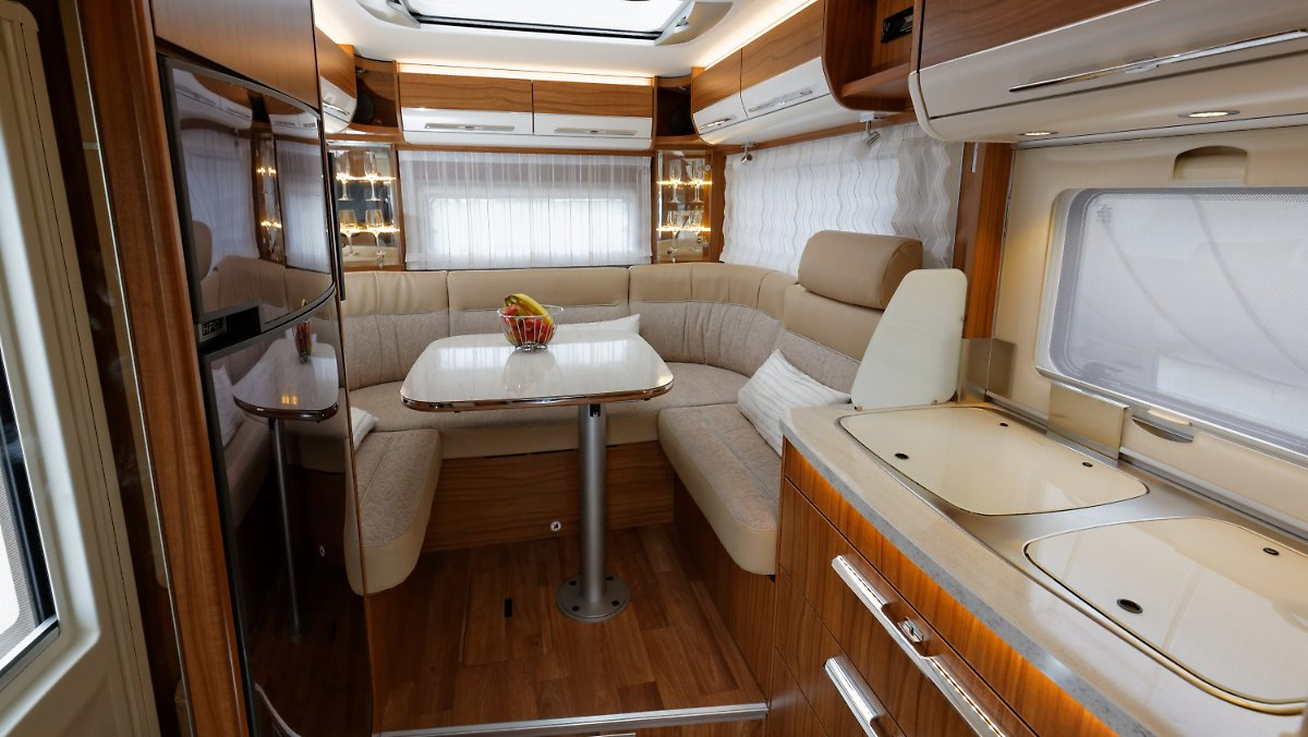 duo mobil in der 3 5 tonnen klasse hymer bringt hecksitzgruppe zur ck n. Black Bedroom Furniture Sets. Home Design Ideas