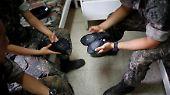 Einmal in der Woche tauschen die südkoreanischen Soldaten ihre Armeestiefel gegen Ballettschuhe ein.