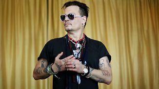 Promi-News des Tages: Johnny Depp will sein Dorf verkaufen
