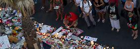 In Nizza gedenken Menschen der Anschlagsopfer. Ob der Täter Kontakte zum IS hatte, ist bislang nicht bekannt. Das ist aber auch nicht nötig, meint Psychologe und Islamismusexperte Mansour.