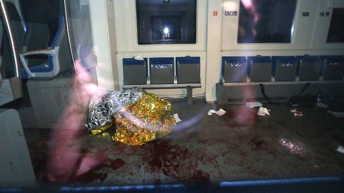 Nach der blutigen Attacke schweben noch immer zwei Mitglieder der chinesischen Familie in Lebensgefahr.