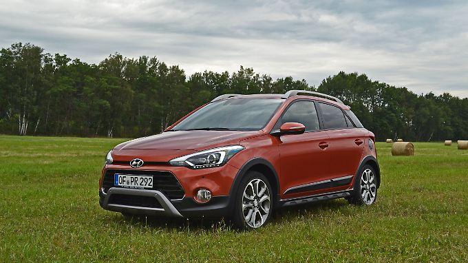 20 Millimeter mehr Bodenfreiheit und alle Komponenten, die ein SUV auszeichnen, schmücken auch den Hyundai i20 Active.
