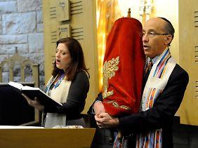 Sabbat-Feier in einer Synagoge in Chicago. Dorthin sollten die Bomben-Pakete gehen.