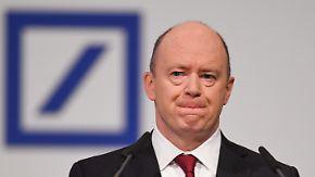 Stürmische Zeiten: Deutsche Bank schrammt an roten Zahlen vorbei