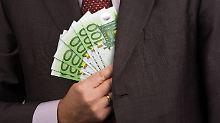 Firma zahlt zu wenig: Gericht kann Bonus festlegen