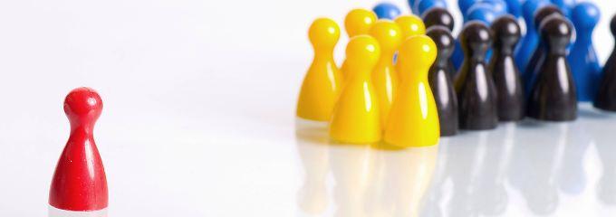 Diskriminierte Bewerber können bis zu drei Bruttomonatsgehälter als Schmerzensgeld bekommen.