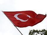 Kahlschlag geht weiter: Türkei entlässt erneut Tausende Angestellte