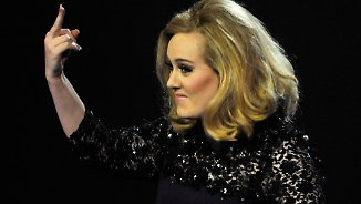 Promi-News des Tages: Adele will nicht beim Super Bowl auftreten