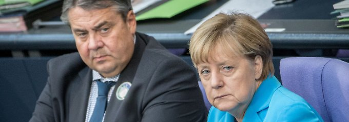 SPD-Chef fordert Obergrenze: Gabriel kritisiert Merkels Flüchtlingspolitik