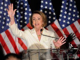 Nancy Pelosi hat ihren Sitz im Repräsentantenhaus verteidigt. Ihren Job als Präsidentin der Kammer ist sie allerdings los.