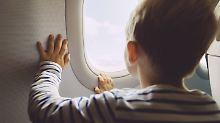 Fliegen als Familie: Das sind die Regeln der Fluggesellschaften