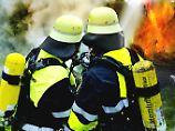 Umfrage zu Berufen: Feuerwehrleute sind besonders beliebt