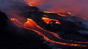 Im Hawai'i Volcanoes Nationalpark wartet der aktive Vulkan Kilauea auf Besucher.